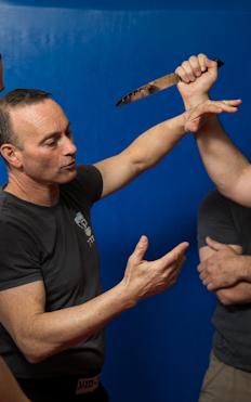אימפקט קרב מגע